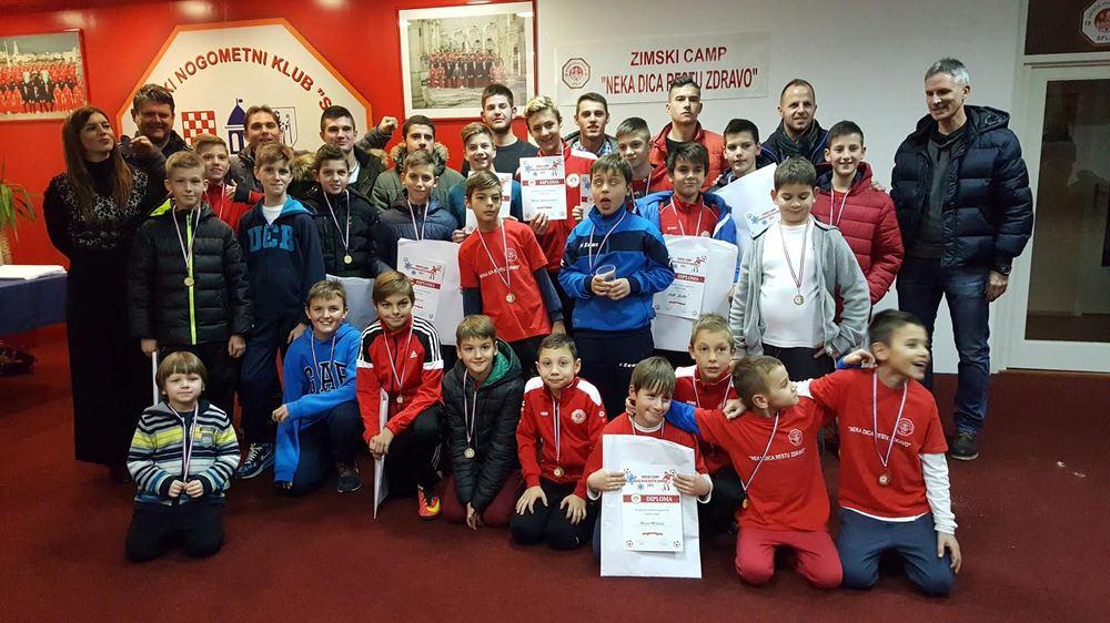 Splitov Zimski kamp za mlade nogometaše zaključen dodjelom medalja i diploma