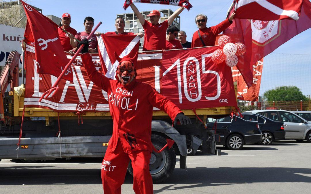 Crveni Đavoli paradom kroz Split proslavili 105. rođendan voljenog kluba